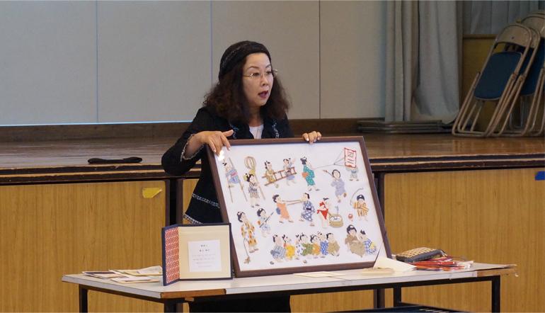 黒川さんによる、絽刺しについての説明