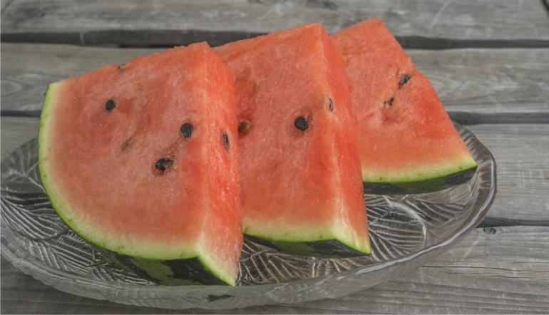 夏の季語「西瓜」