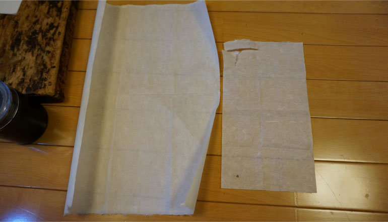 使用される和紙は提灯の大きさによって厚さが違います。